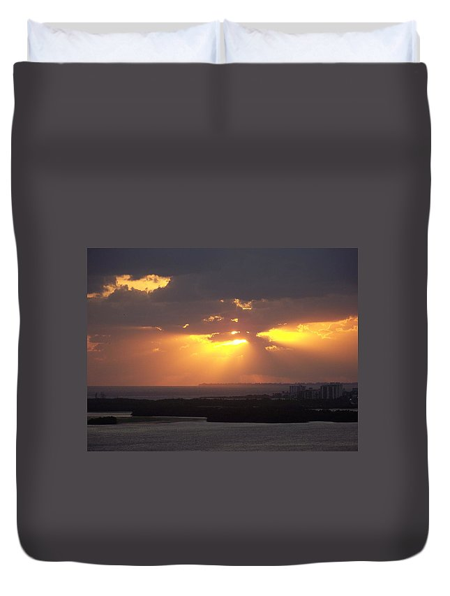 Sunset Duvet Cover featuring the photograph Sunset 0047 by Laurie Paci