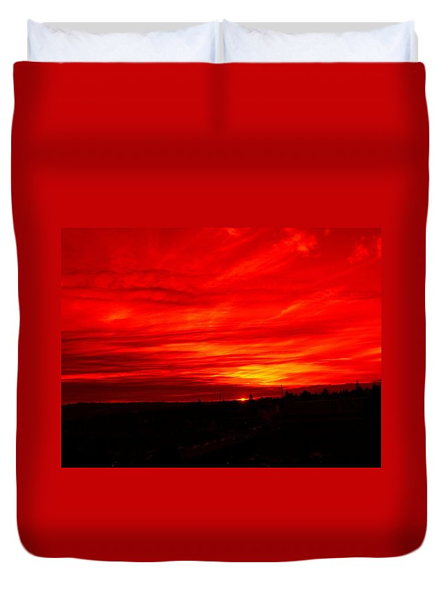 Seattle Duvet Cover featuring the digital art Sunset 2 by Tim Allen