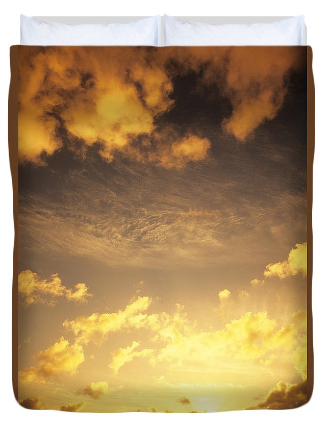 Air Duvet Cover featuring the photograph Sunset At Chinamans Hat by Carl Shaneff - Printscapes