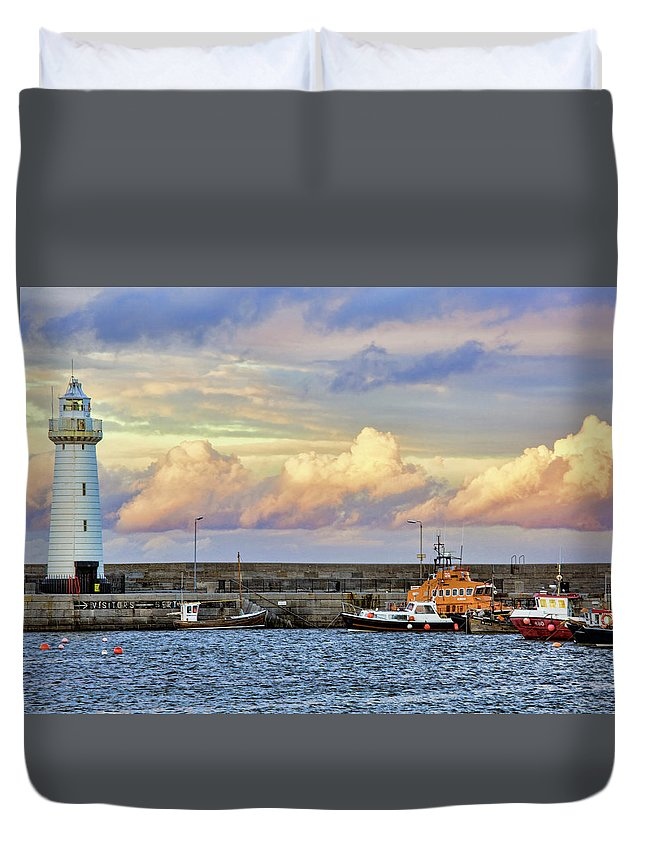 Lighthouse Duvet Cover featuring the photograph Even Light by Photopoint Art