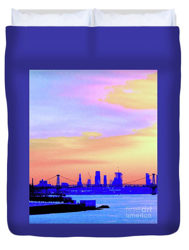 Sunset Duvet Cover featuring the photograph Sunset Lower Manhattan 2c2 by Ken Lerner