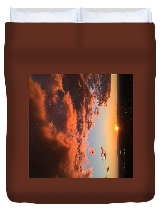 Sunset Duvet Cover featuring the photograph Sunset Of The West by Jon Bulotti