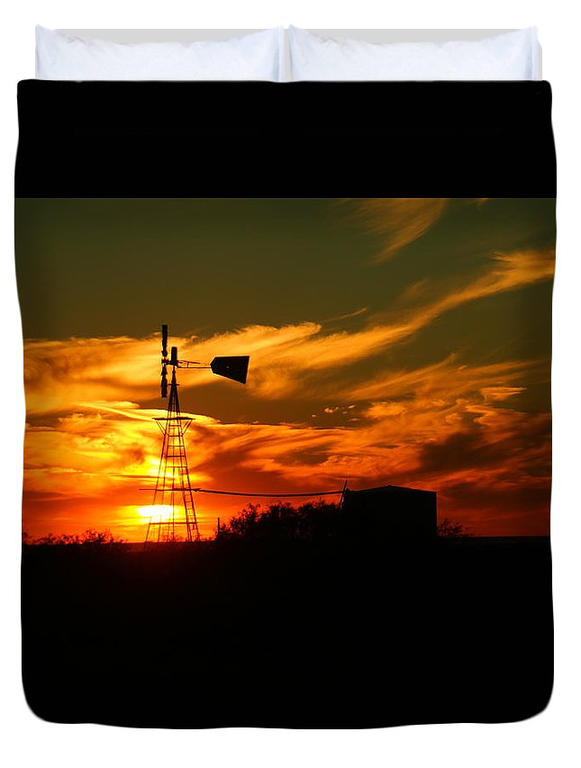 Wind Mill Duvet Cover featuring the photograph Sunset On A Windmill Jal New Mexico by Jeff Swan