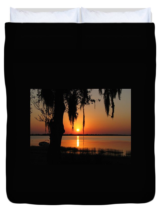 Nature Duvet Cover featuring the photograph Sunset On Lake Minneola by Peg Urban
