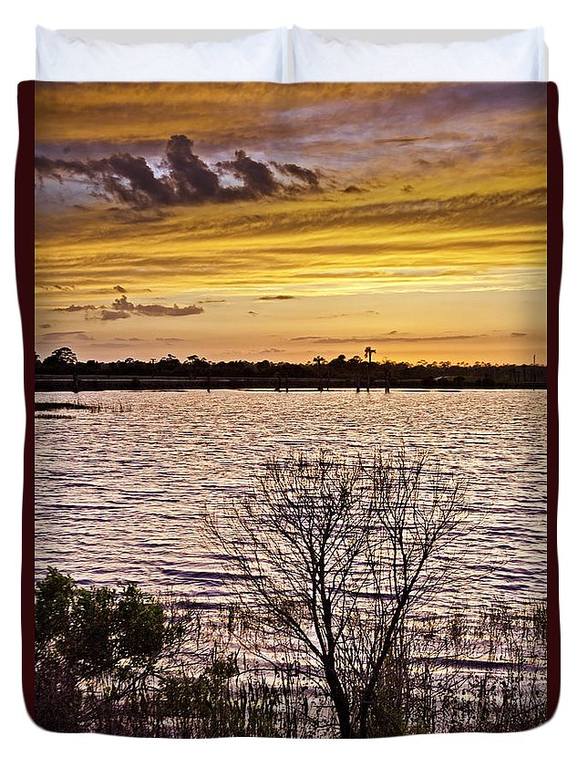 Sunset Duvet Cover featuring the photograph Sunset On The Wetlands by Rob Travis
