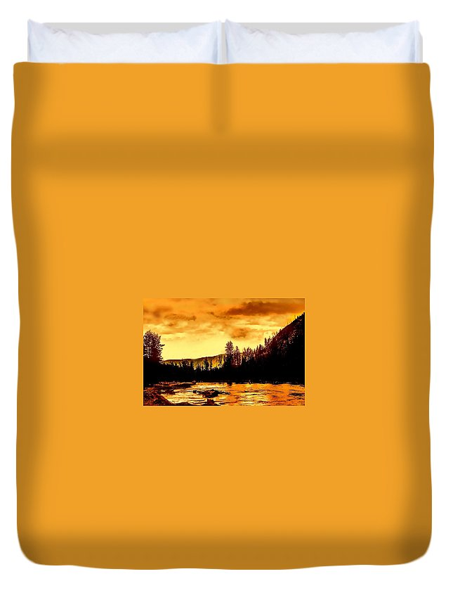 Sunset Duvet Cover featuring the photograph Sunset At Yellowstone Lake by Jeanie Mann