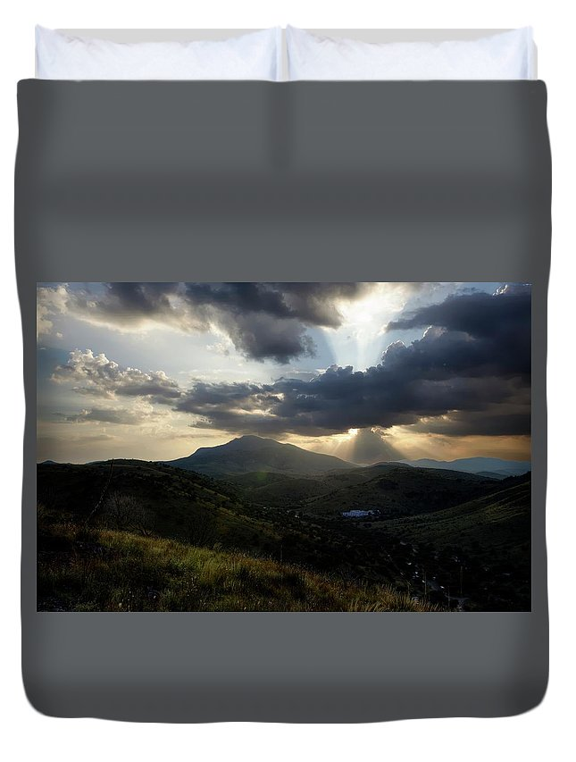Indian Springs Duvet Cover featuring the photograph Sunset over Indian Springs by Roy Nierdieck