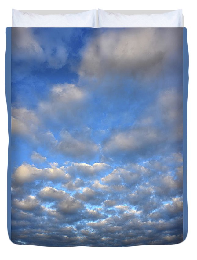 Clouds Duvet Cover featuring the photograph Sunset Over Omaha Nebraska by Ray Mathis