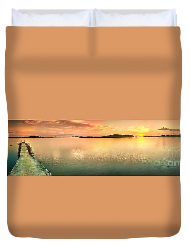 Pier Duvet Cover featuring the photograph Sunset Panorama by MotHaiBaPhoto Prints