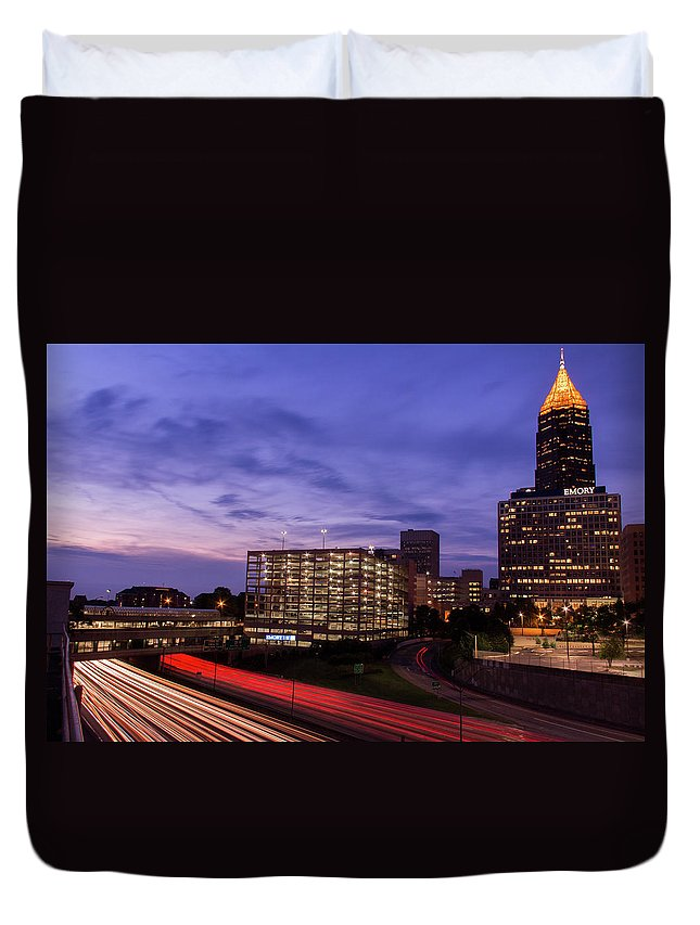 Atlanta Duvet Cover featuring the photograph Sunset Rush by Kenny Thomas