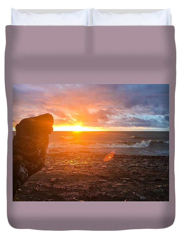 Lake Duvet Cover featuring the photograph Sunset by Ryan Scott