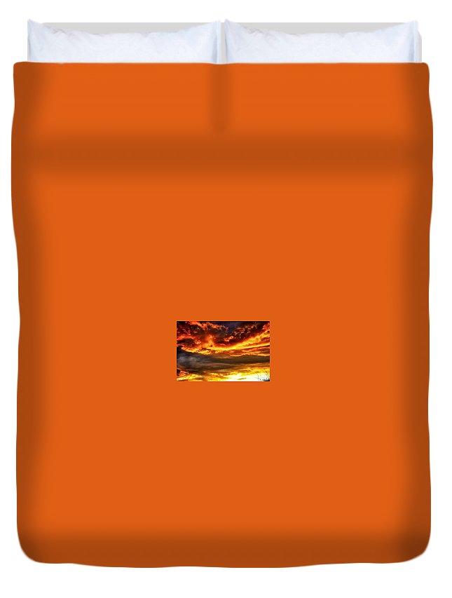Landacape Duvet Cover featuring the photograph Sunset by Thomas Comeau