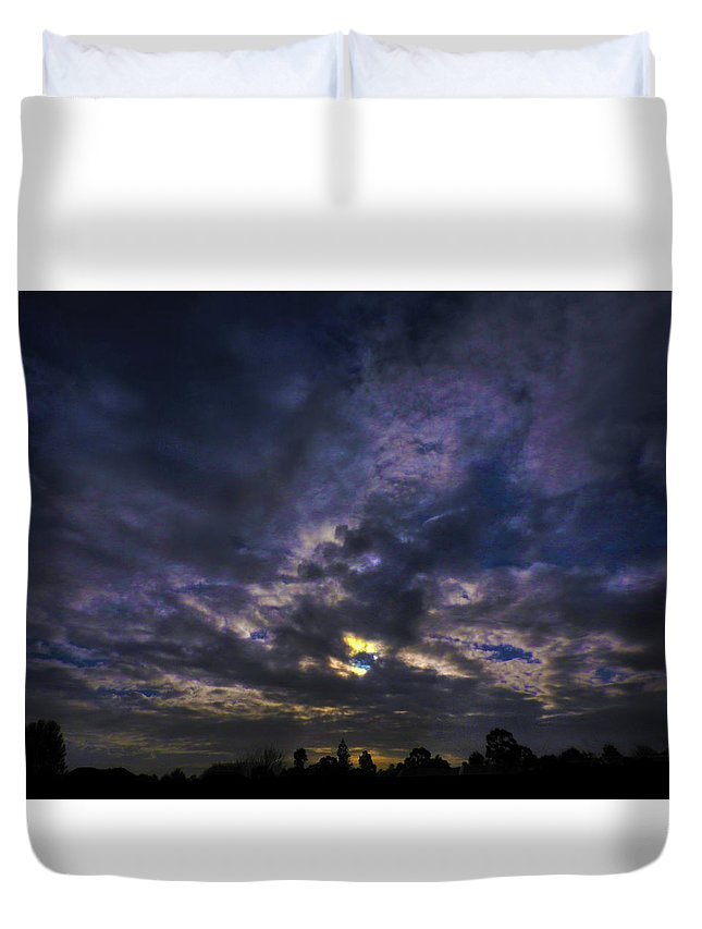Sunset Duvet Cover featuring the photograph Sunseticus Dramaticus by Mark Blauhoefer