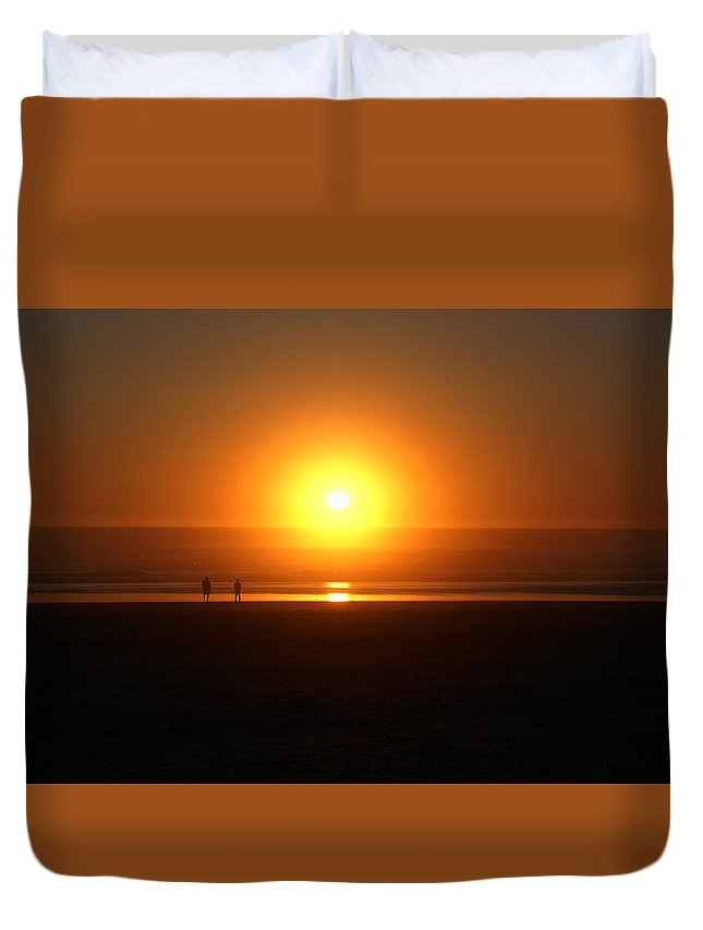 Sunset Duvet Cover featuring the photograph Sunsetting At Rockaway Beach by Ben Upham III