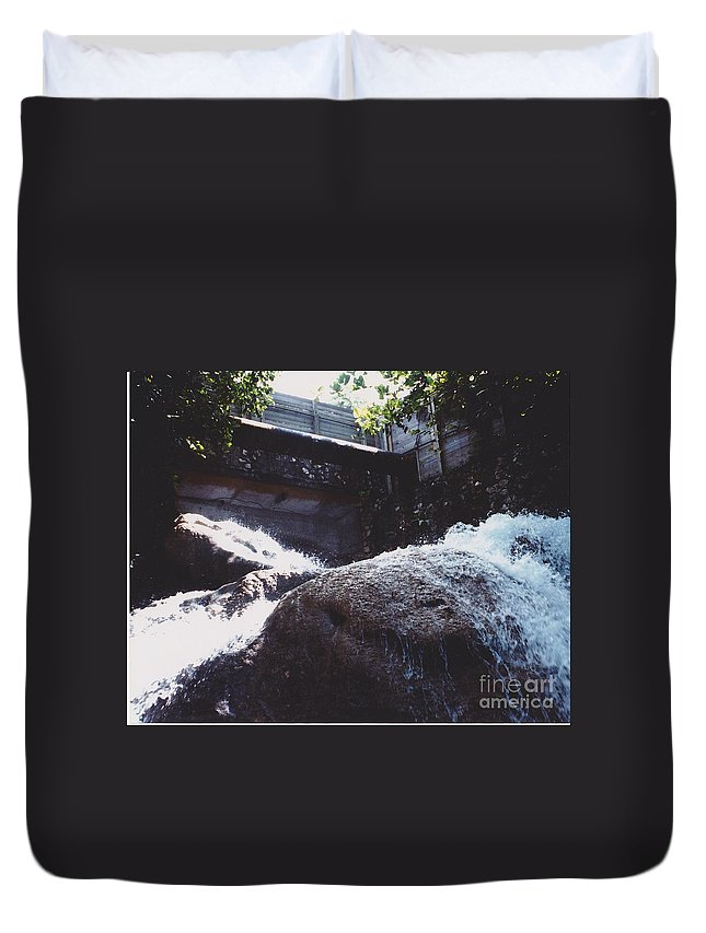 Landscape Duvet Cover featuring the photograph Sunshine by Michelle Powell