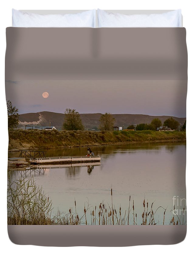 Fishing Duvet Cover featuring the photograph Surreal Morning by Robert Bales
