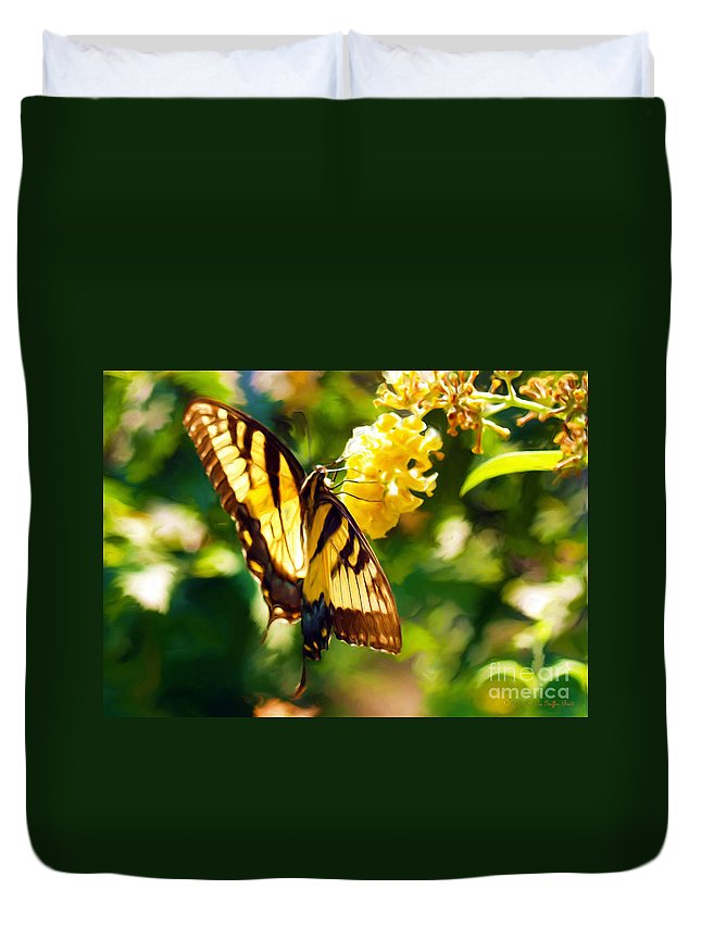 Butterfly Painting Duvet Cover featuring the painting Swallowtail by Patricia Griffin Brett