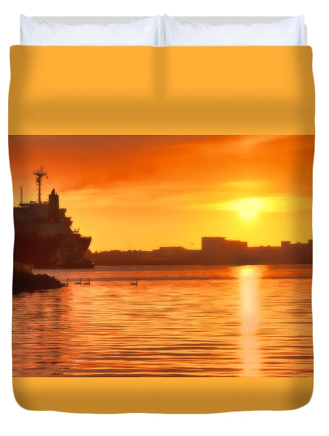 Seascape Duvet Cover featuring the photograph Swans At Sunset by Nadia Sanowar