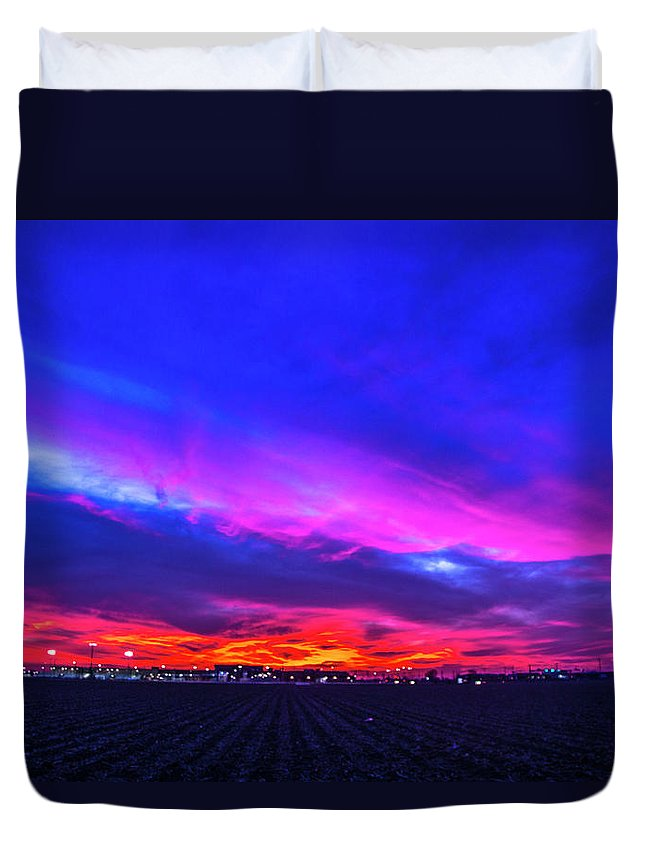 Nebraskasc Duvet Cover featuring the photograph Sweet Nebraska Sunset 001 by NebraskaSC