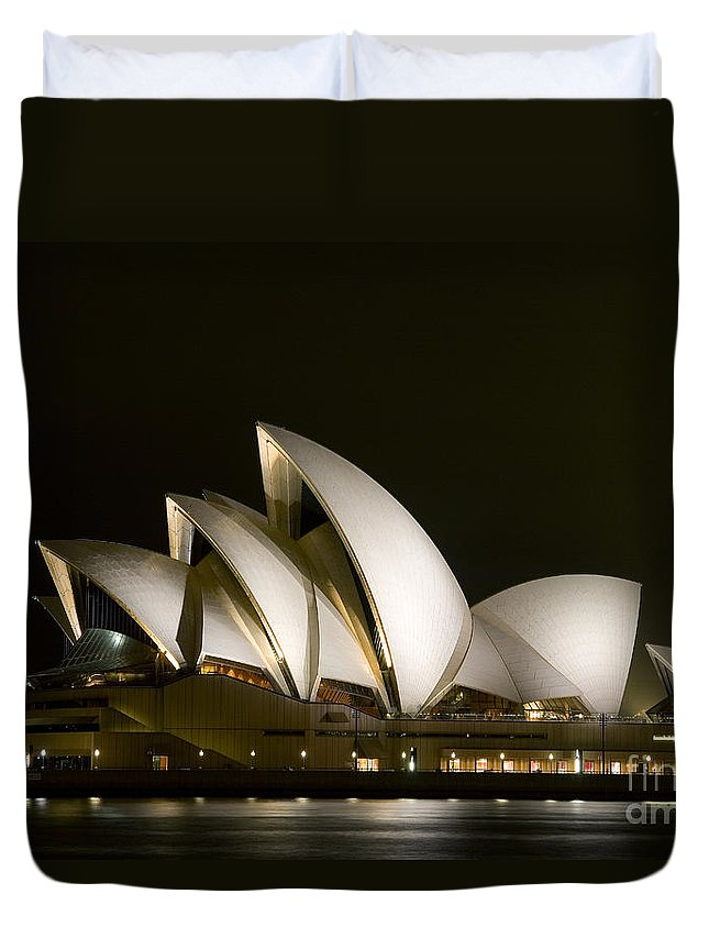Architecture Duvet Cover featuring the photograph Sydney Opera House by Dave Fleetham - Printscapes