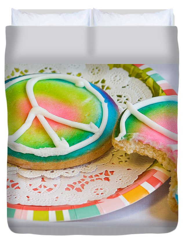 Cookie Duvet Cover featuring the photograph Symbols Of Peace by Diane Macdonald