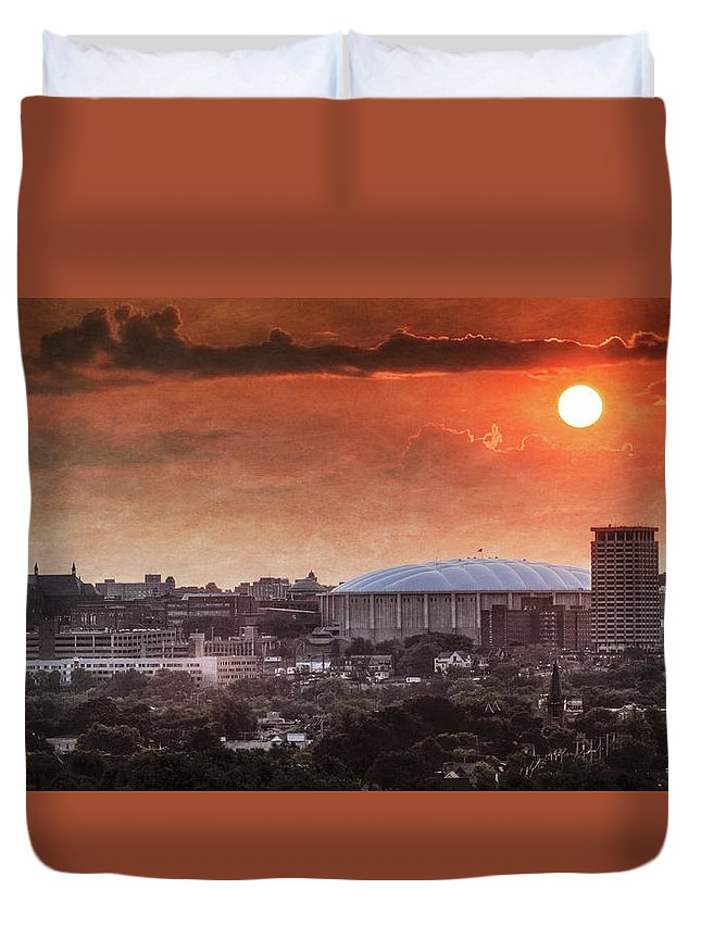 Syracuse Duvet Cover featuring the photograph Syracuse Sunrise Over The Dome by Everet Regal