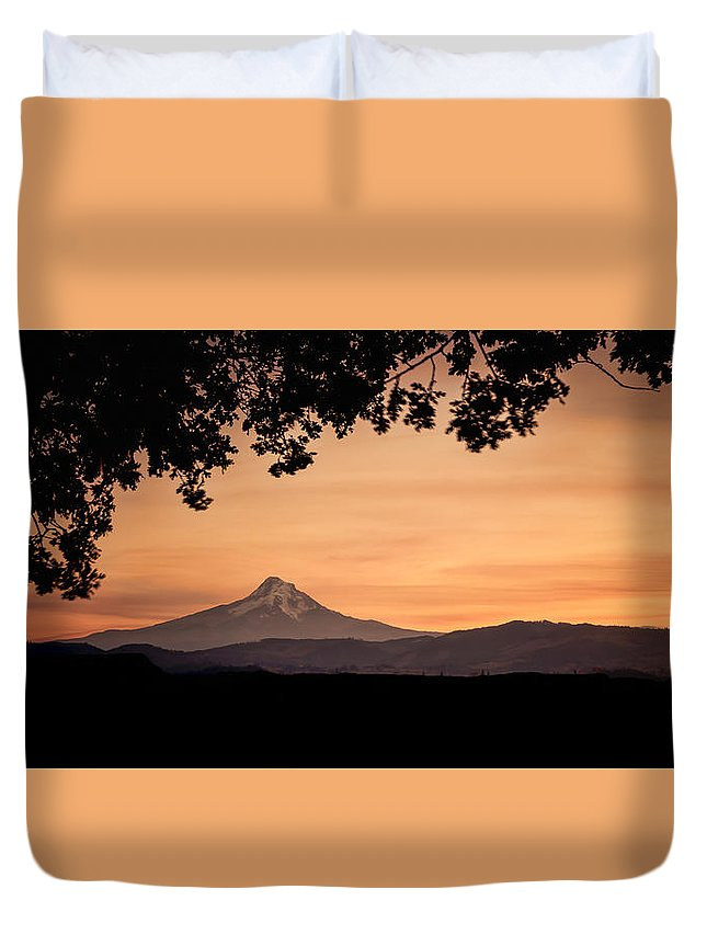 Hood River Duvet Cover featuring the photograph Mt. Hood At Sunset by Don Schwartz