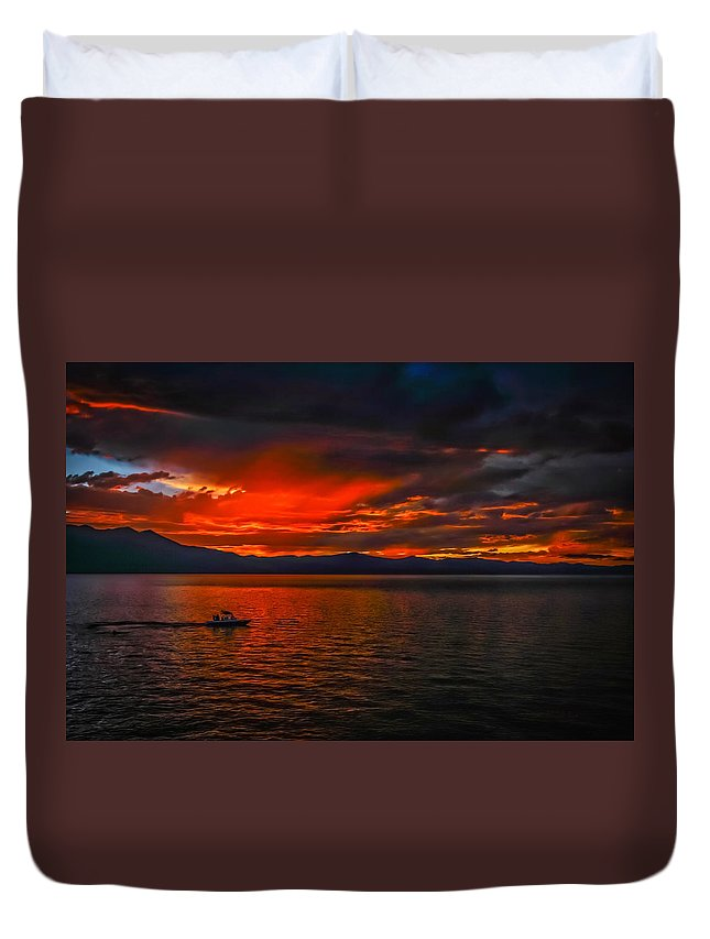 Lake Tahoe Sunset Duvet Cover featuring the photograph Tahoe Boat Ride by Mitch Shindelbower