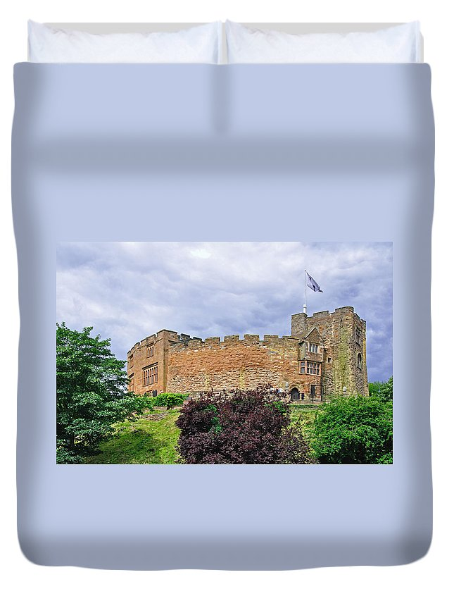 Blue-grey Duvet Cover featuring the photograph Tamworth Castle by Rod Johnson