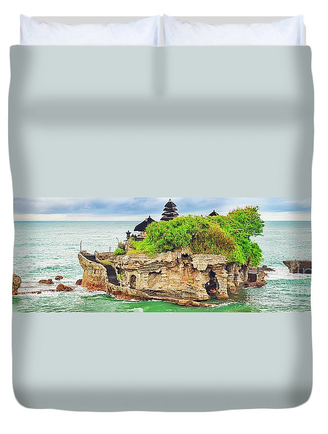 Tanah Lot Duvet Cover featuring the photograph Tanah Lot by MotHaiBaPhoto Prints