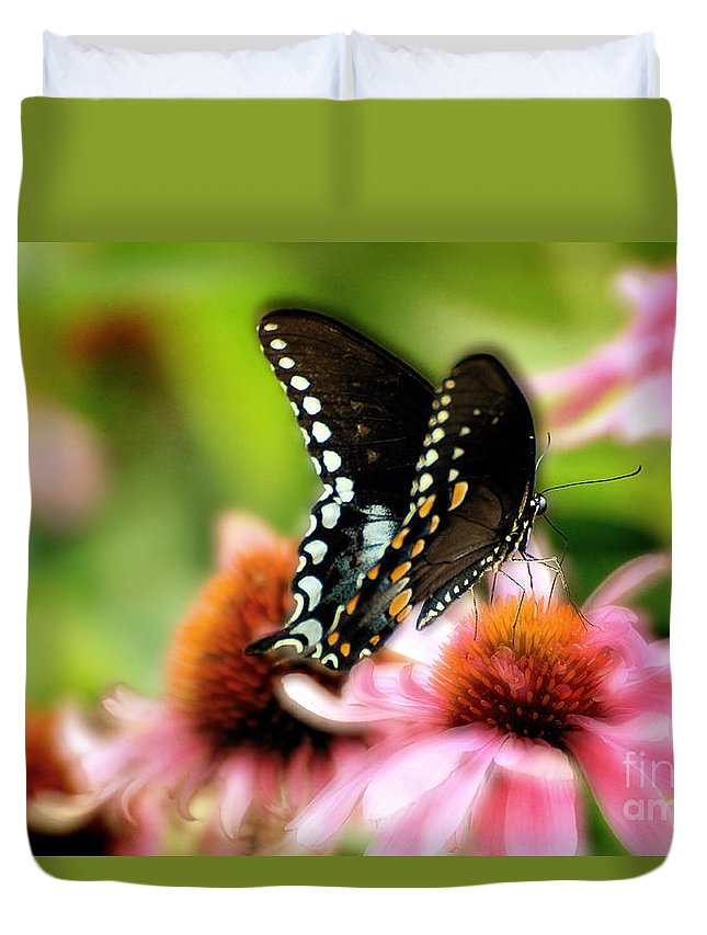 Nature Duvet Cover featuring the photograph Tasty by Lois Bryan