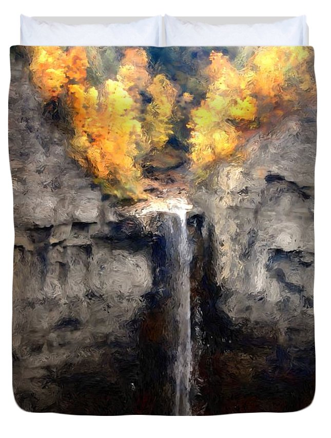 Taughannock Falls Duvet Cover featuring the photograph Taughannock Falls by David Lane