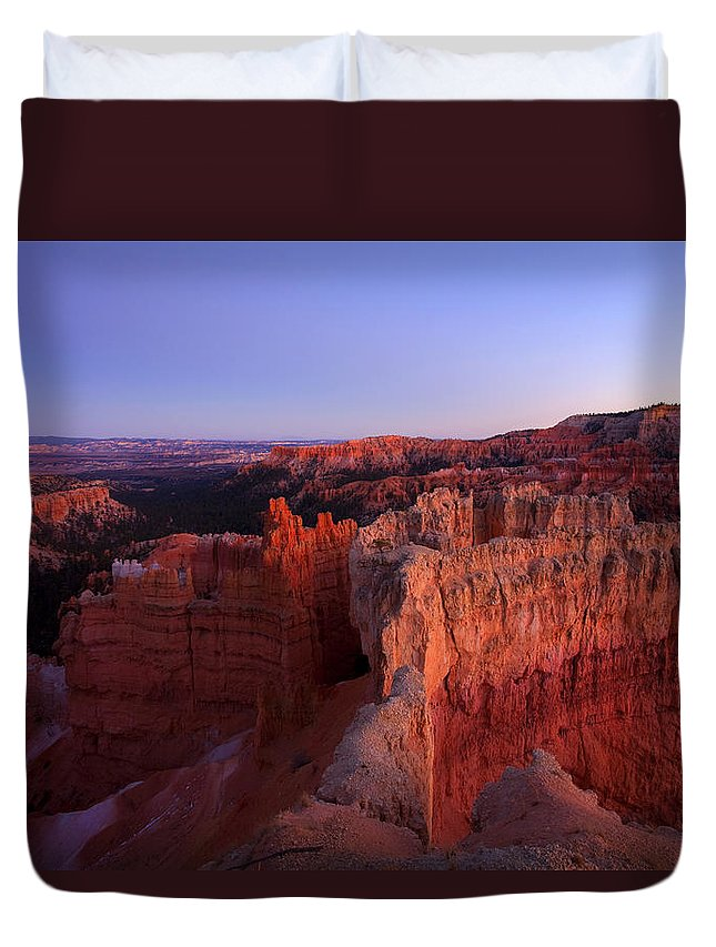 Hoodoo Duvet Cover featuring the photograph Temple of the setting sun by Mike Dawson