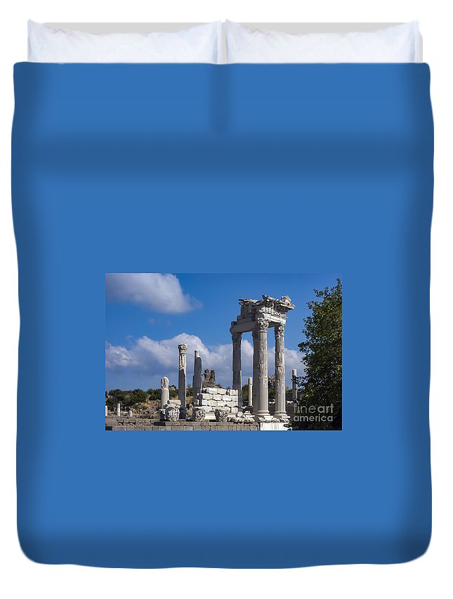 Bergama Pergamon Turkey Ancient Ruins Ruin Acropolis Landscape Landscapes Architecture Structures Structures Trajan Temple Temples Column Columns Place Of Worship Places Of Worship Landmark Landmarks Duvet Cover featuring the photograph Temple Of Trajan View by Bob Phillips
