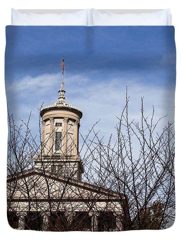 Tennessee State Capitol Building Duvet Cover featuring the photograph Tennessee State Capitol Building by Marina McLain