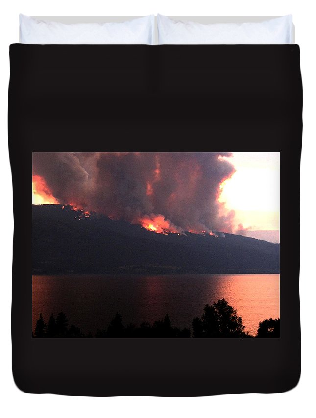 Forest Fire Duvet Cover featuring the photograph Terrace Mountain Fire 5 by Will Borden