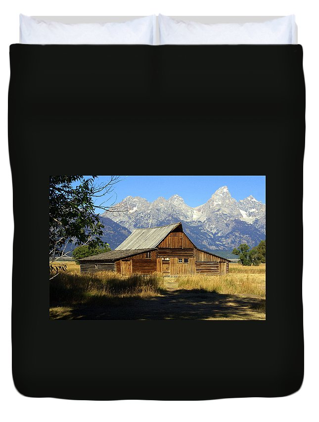 Grand Teton National Park Duvet Cover featuring the photograph Teton Barn 4 by Marty Koch