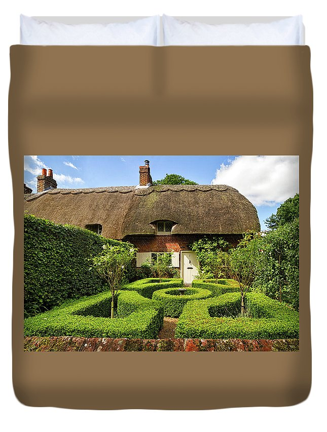 Cottage Duvet Cover featuring the photograph Thatched Cottages In Chawton 7 by Shirley Mitchell