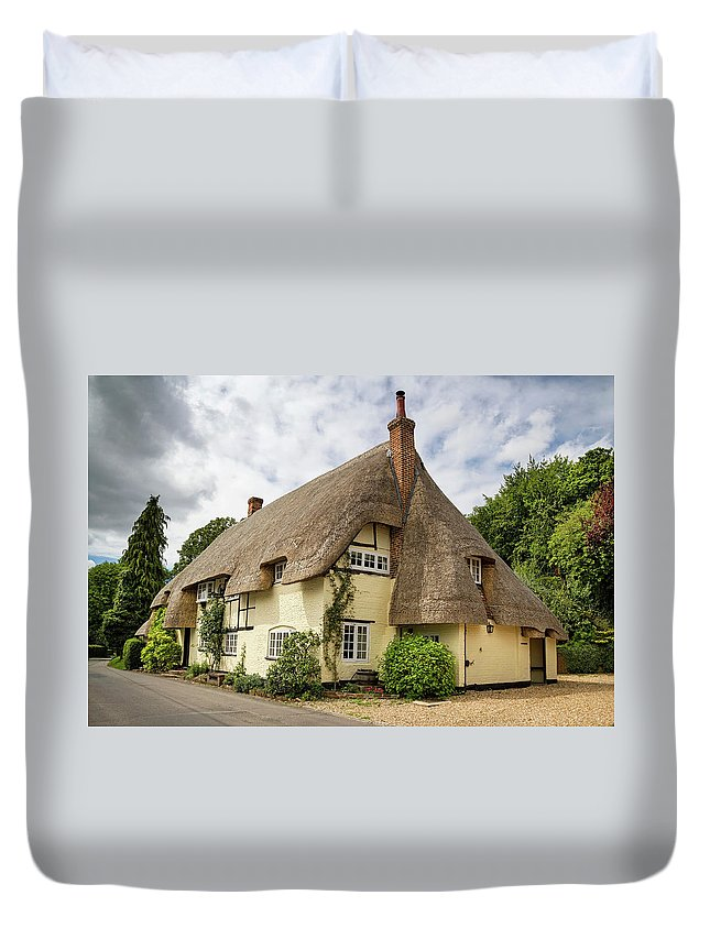 Cottage Duvet Cover featuring the photograph Thatched Cottages Of Hampshire 18 by Shirley Mitchell
