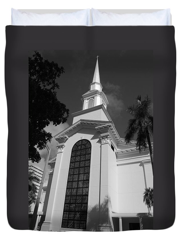 Architecture Duvet Cover featuring the photograph Thats Church by Rob Hans