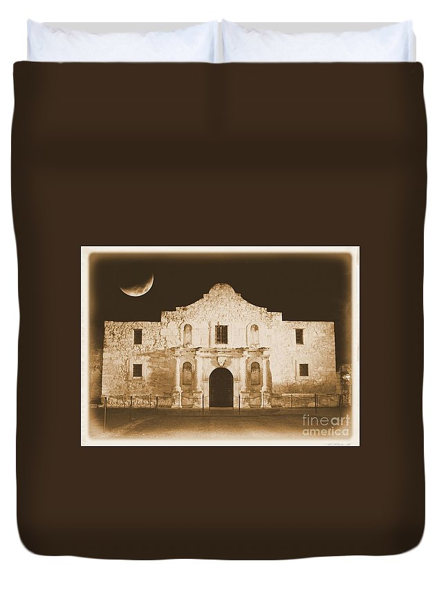 The Alamo Duvet Cover featuring the photograph The Alamo Greeting Card by Carol Groenen