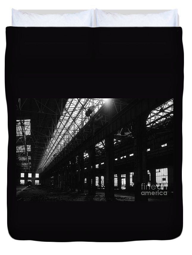 Buildings Duvet Cover featuring the photograph The Back Shop by Richard Rizzo