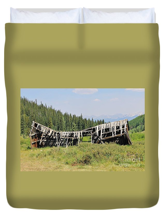 Nature Duvet Cover featuring the photograph The Beauty Of Tincup by Tonya Hance