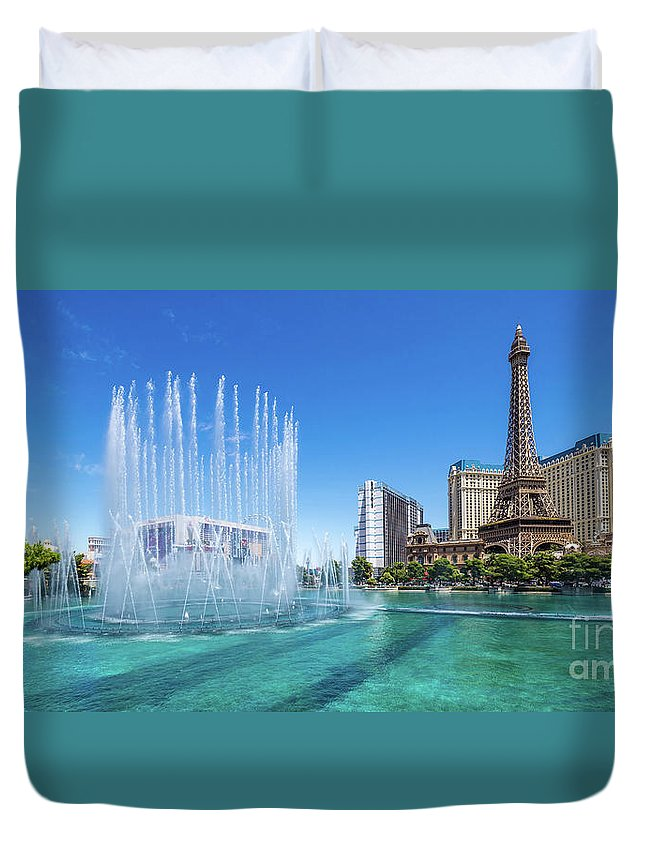 Paris Casino Duvet Cover featuring the photograph The Bellagio Fountains In Front Of The Eiffel Tower 2 To 1 Ratio by Aloha Art
