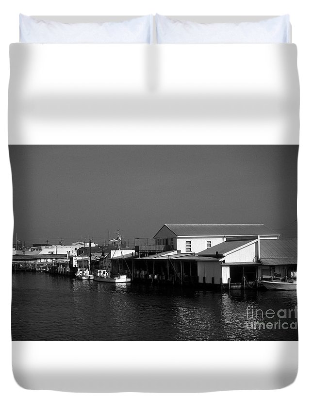Scenic Tours Duvet Cover featuring the photograph The Docks At Crisfield Md by Skip Willits