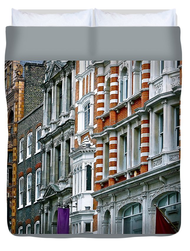 London Facades Duvet Cover featuring the photograph The Face Of London by Ira Shander
