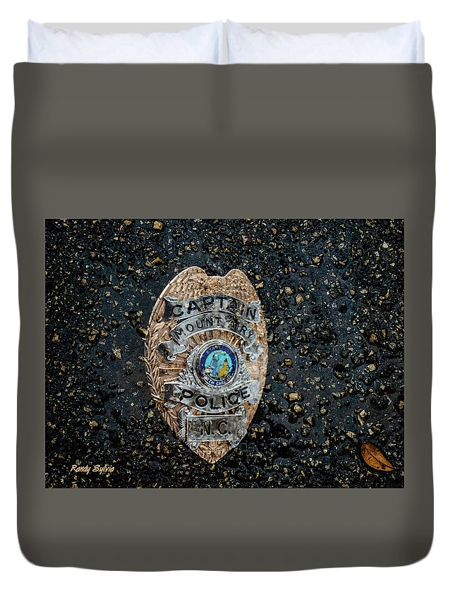 Badge Duvet Cover featuring the photograph Thank You by Randy Sylvia