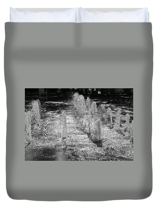 Black And White Duvet Cover featuring the photograph The Fountians Of Climatis by Rob Hans