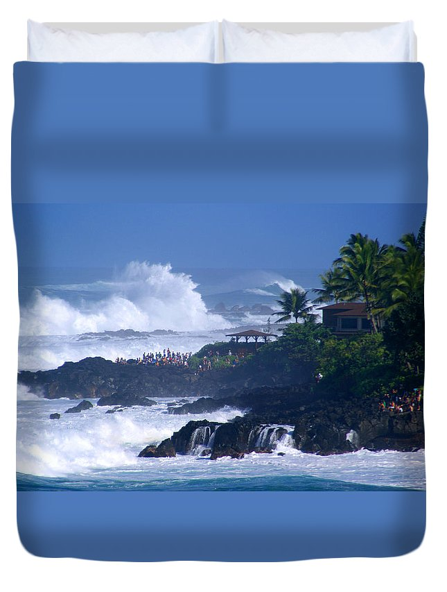 Hawaii Duvet Cover featuring the photograph The Gallery by Kevin Smith