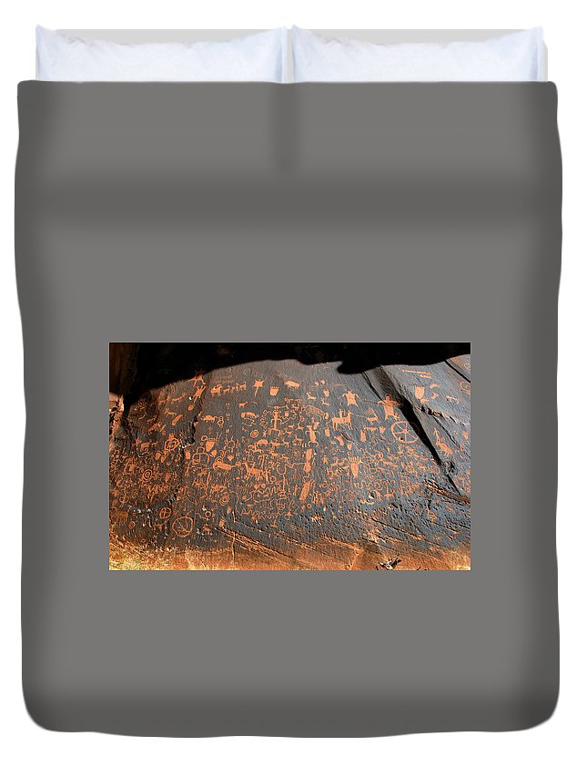 Newspaper Rock Duvet Cover featuring the photograph The Great Panel At Newspaper by David Lee Thompson